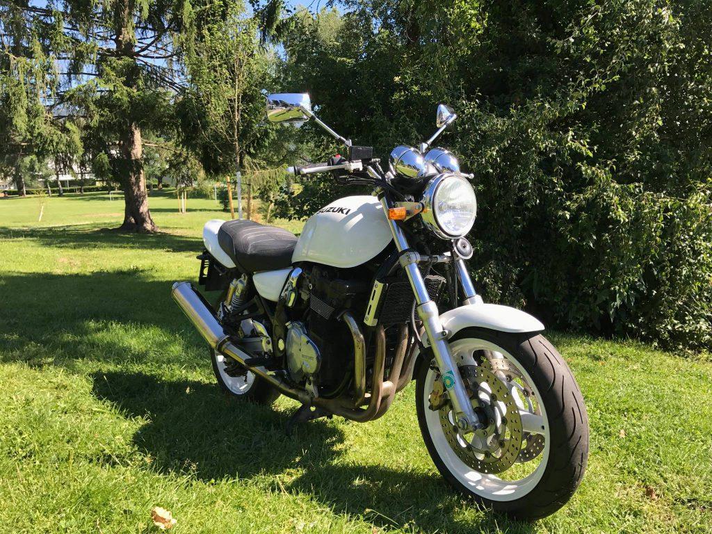 GSX1200 BJ.2000  63.000;-KM  €2.490-